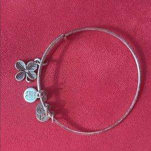 alex & ani four leaf clover bracelet